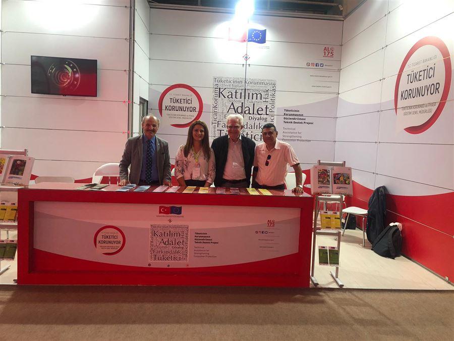 TÜKODER Tüketiciyi Koruma Derneği İzmir Şube Başkanı ve temsilcileri İzmir Enternasyonel Fuarındaki standımızı ziyaret ettiler.